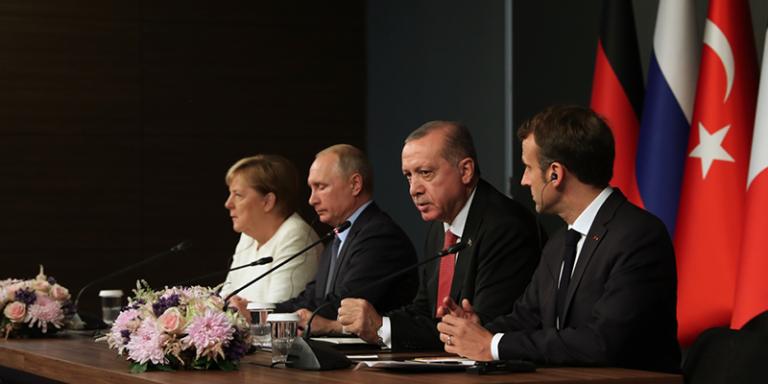 Песков: Путин является сторонником четырехстороннего саммита по Сирии